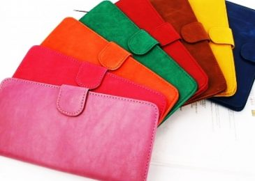 เลือกใช้สีกระเป๋าสตางค์ตามวันเกิด